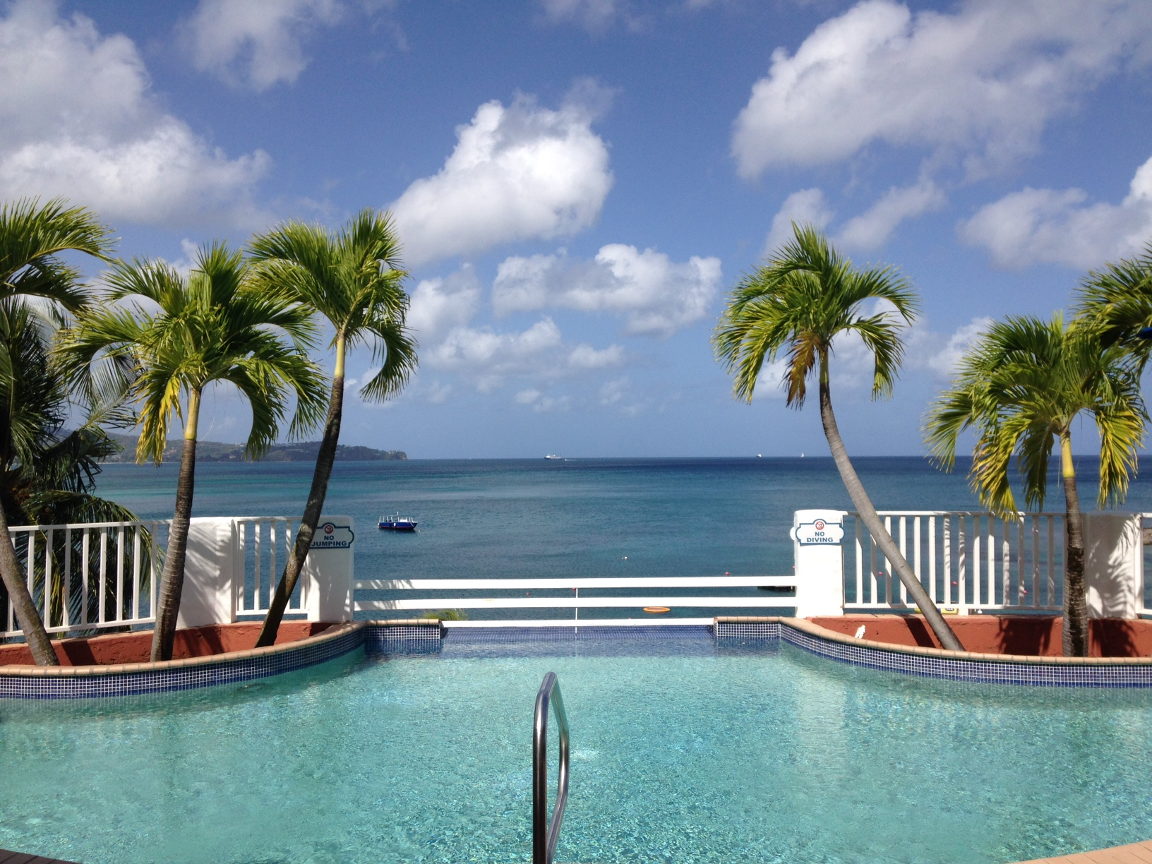 Windjammer Landing Swimming Pool