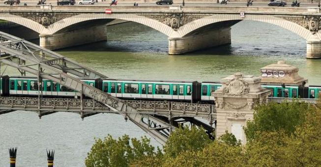 Trains reach all quarters of Paris.