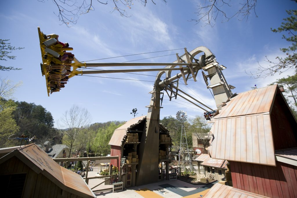 Barnstormer ride at Dollywood