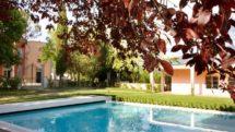The swimming pool at Villa Il Palagio in Chianti.