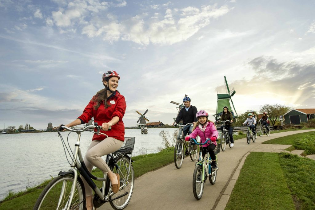 Shore excursions by bicycle in Holland.