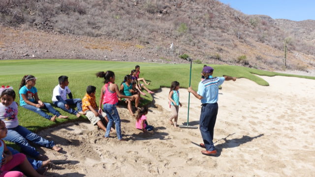 Children's golf lessons are part of the Villa del Palmar's family activities schedule.