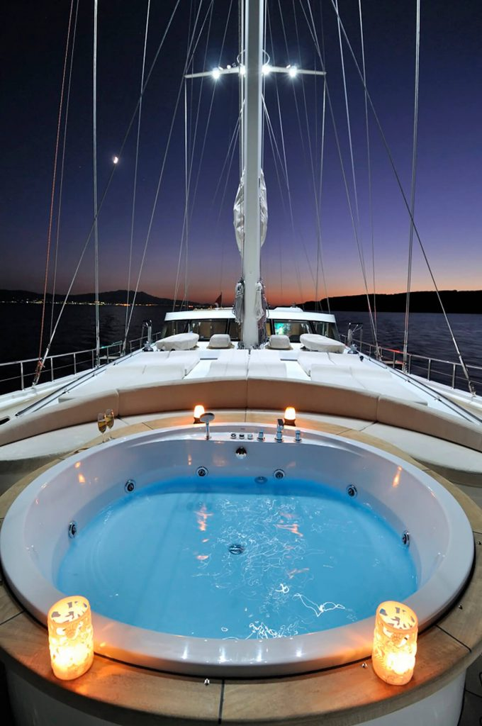 Jacuzzi on deck of the Dolce Mare yacht.
