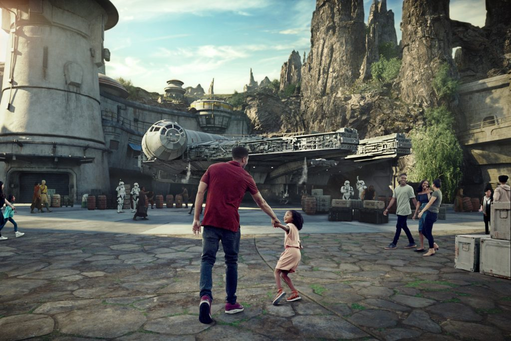 Star Wars: Galaxy's Edge c. Disney Parks