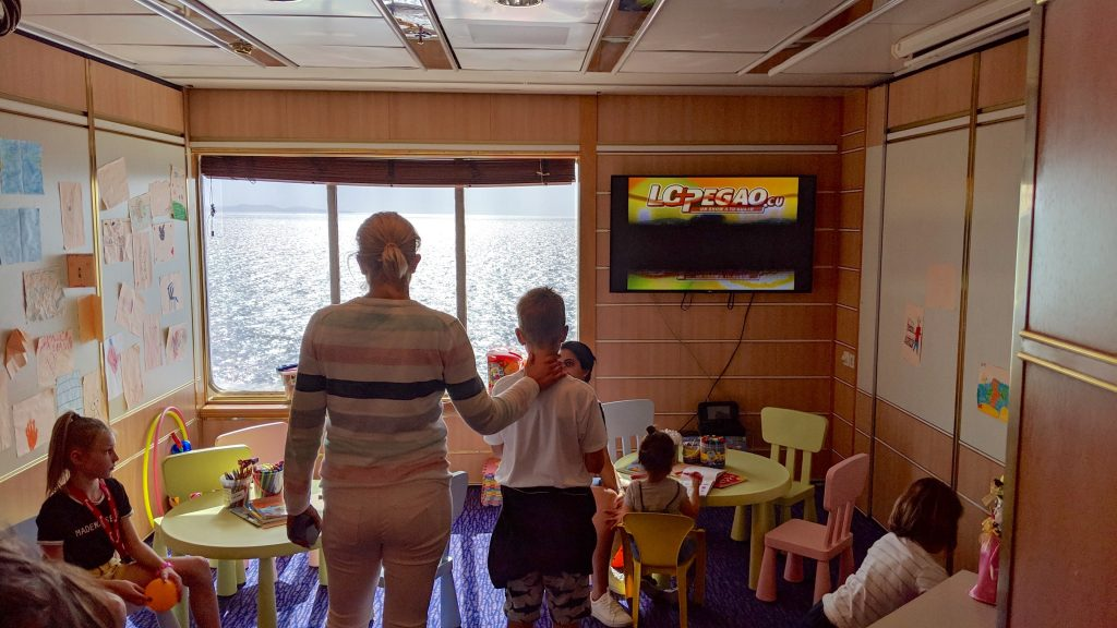 There's a small playroom with kids crafts and activities on sailing days.