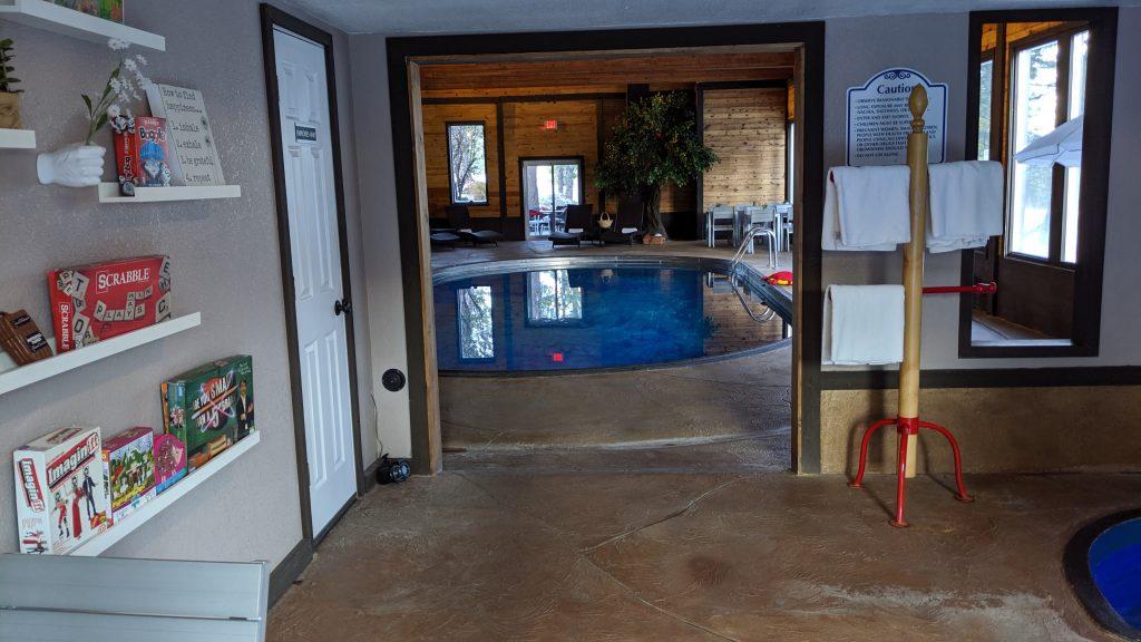 Bavarin Inn swimming pool and kids playroom