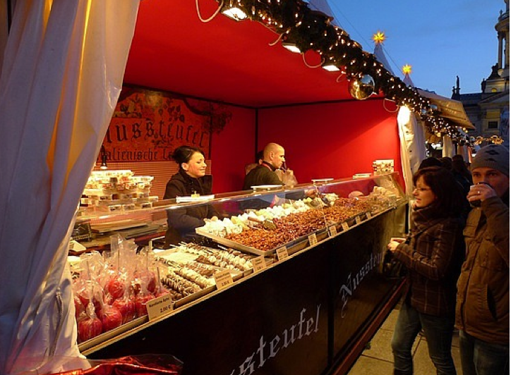 Dired fruit and candied apples at a Swedish Christmas Market