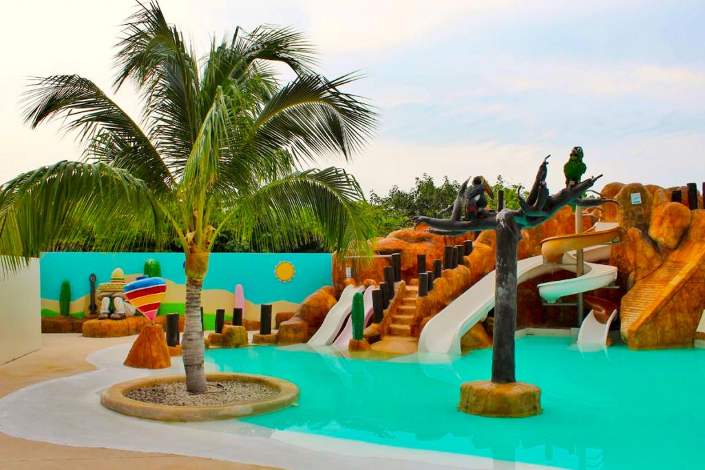Family pool at Finest Playa Mujeres resort, Cancun