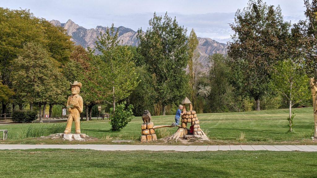 Wheeler Farms wooden sculptures