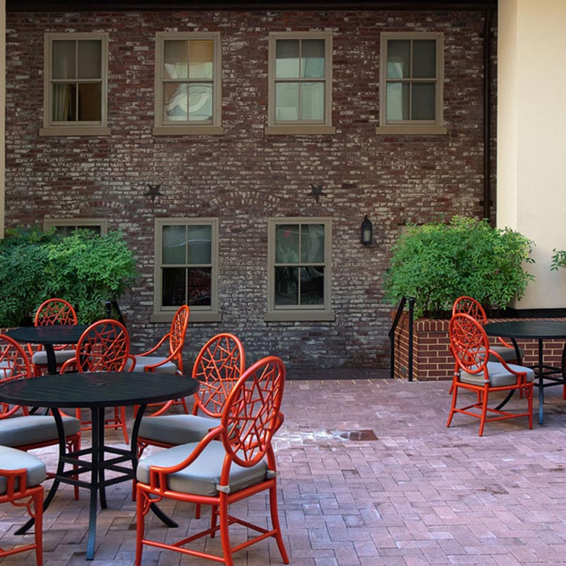 The Morrison-Clark Historic Inn has a 1 bedroom duplex suite in a colonial-era carriage house.
