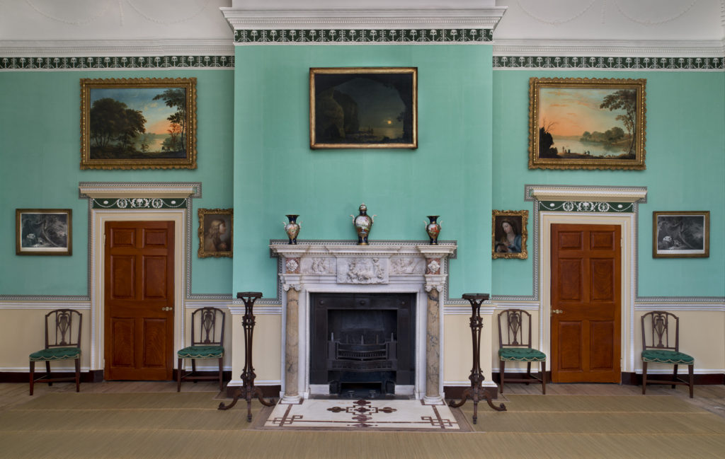 Mount Vernon restored sitting room, photo by Gavin Ashworth.