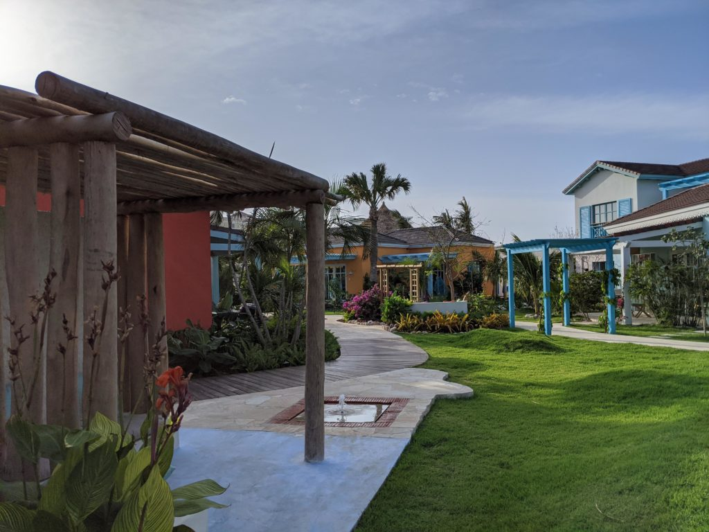 Lawns and pathways of the Boardwalk Boutique Hotel Aruba