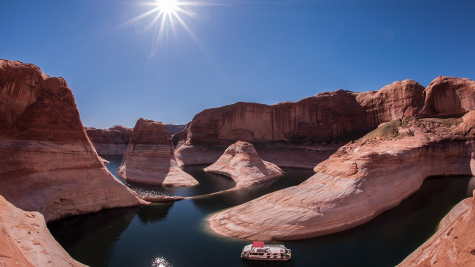 Aierial view of houseboating in Glen Canyon, Arizona
