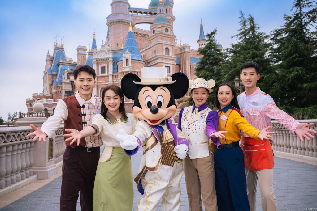 Shanghai Disneyland's new character costumes.