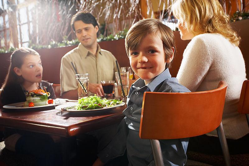 نتيجة بحث الصور عن kid at a restaurant