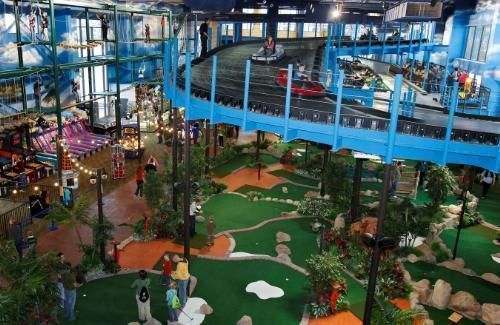 Water Everywhere And Not A Drop To Drink True Coleridge Has Point Here But Who Cares At These Amazing Indoor Waterparks The Last Thing You Ll