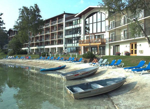golden arrow lakeside resort lake placid new york my. Black Bedroom Furniture Sets. Home Design Ideas