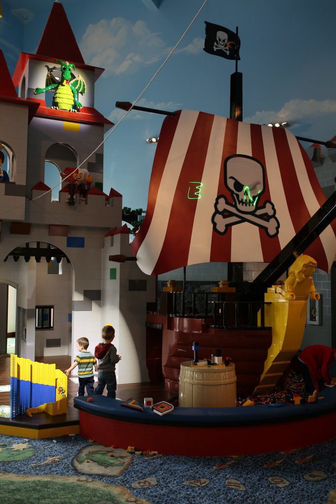 Preview of the legoland florida hotel in legoland winter for Castle haven cabins