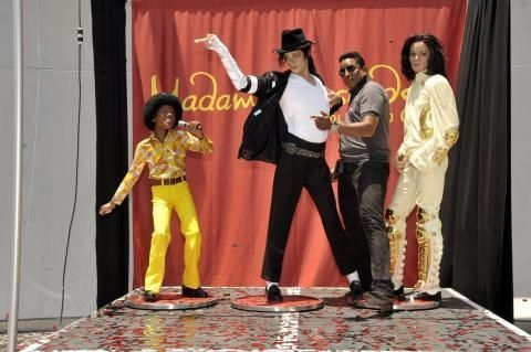 star trekking michael jackson at madame tussauds. Black Bedroom Furniture Sets. Home Design Ideas