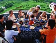 hangzhou-chinese-famiy-picnic