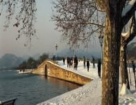 hangzhou-winter-lakefront