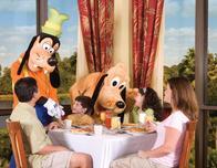 Disney Springs Wyndham Lake Buena Vista character breakfast with Goofy.
