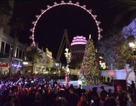 See what Las Vegas has to Offer Your Family This Holiday Season