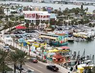 Bechfront hotels in Clearwater also have rooms overlooking the lively marina.