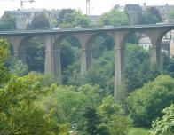Luxembourg_oldcity_valley_821641609