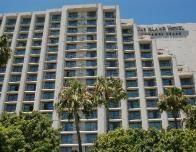 Island_Hotel_Greenberg_135499859