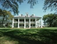 There are beautiful historic homes in the Garden District and along the riverfront.