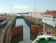 Crystal_Serenity_Panama_Canal_790831293