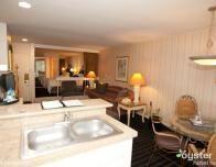 Le_Parc_Suites_Hotel_Los_Angeles_804894113