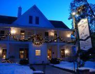 door_county_white_gull_inn_snow_786444591