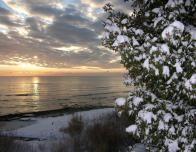 door_county_winter_shoreline_985652787
