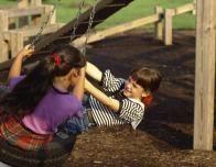 kids_swing_219085674