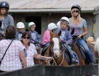 kate_gosselin_horseback_111846471
