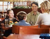 family_restaurant_820093833
