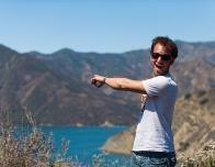 hiker_coastline_231641152