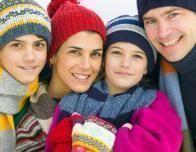 skiing_family_431949641