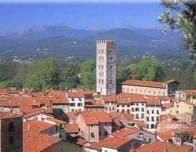 itlay_lucca_town_156714860