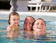kids_in_pool_755774412