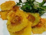 Tostones are perfect, easy to hold kid snacks -- healthy too!