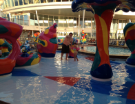 royal-caribbean-pool-deck