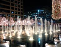 Crown Center Fountains, photo by aaronm86, courtesy Wikimedia