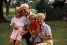 grandparents_104024316